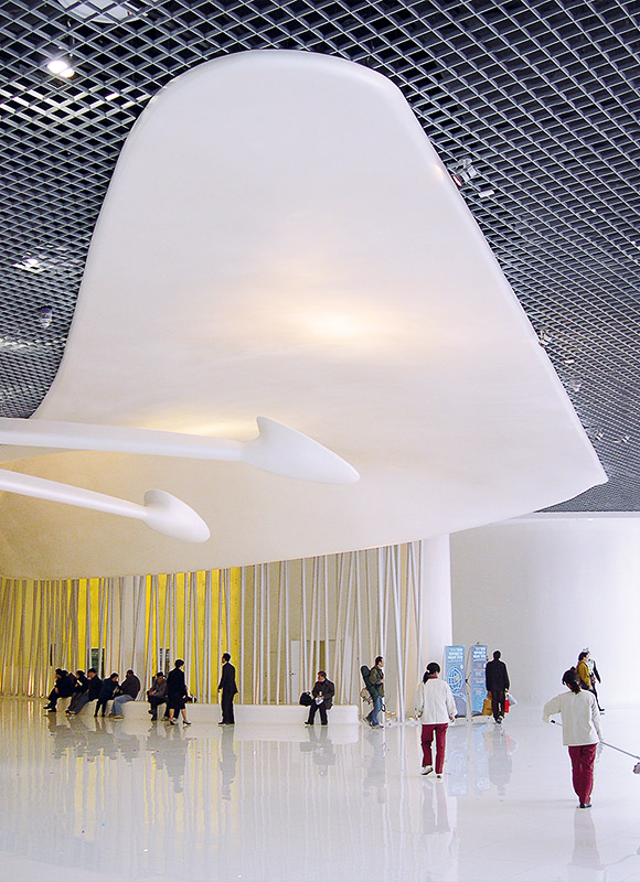 Shanghai Automotive Exhibition Center, Shanghai. A project by Ippolito Fleitz Group – Identity Architects, Ceilings.