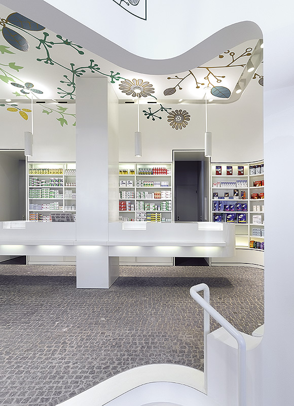 Linden-Apotheke, Ludwigsburg. A project by Ippolito Fleitz Group – Identity Architects, Floors.