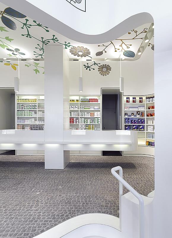 Linden-Apotheke, Ludwigsburg. A project by Ippolito Fleitz Group – Identity Architects, Floors.