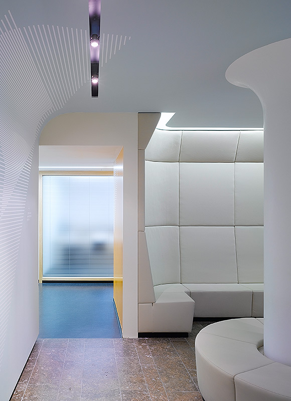 Wittlinger Hahn Stern Radiologie, Schorndorf. A project by Ippolito Fleitz Group – Identity Architects.