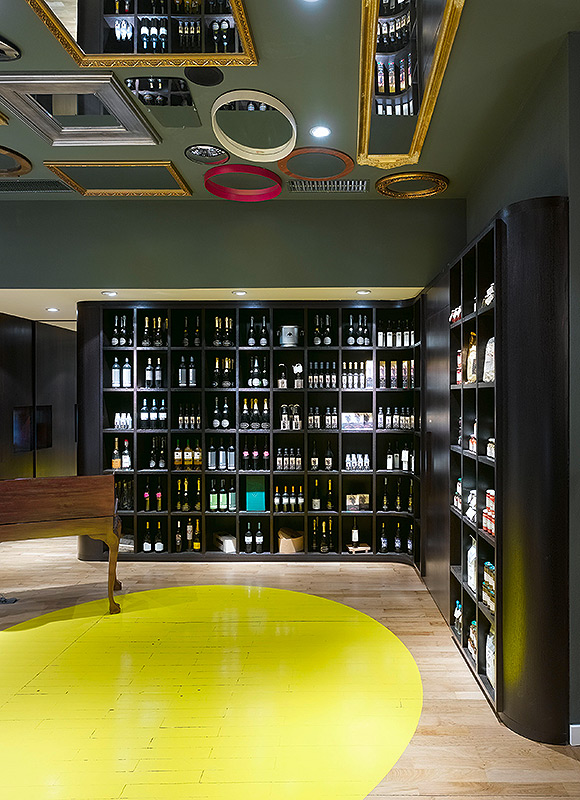 Bella Italia Weine, Stuttgart. A project by Ippolito Fleitz Group – Identity Architects, Floors.