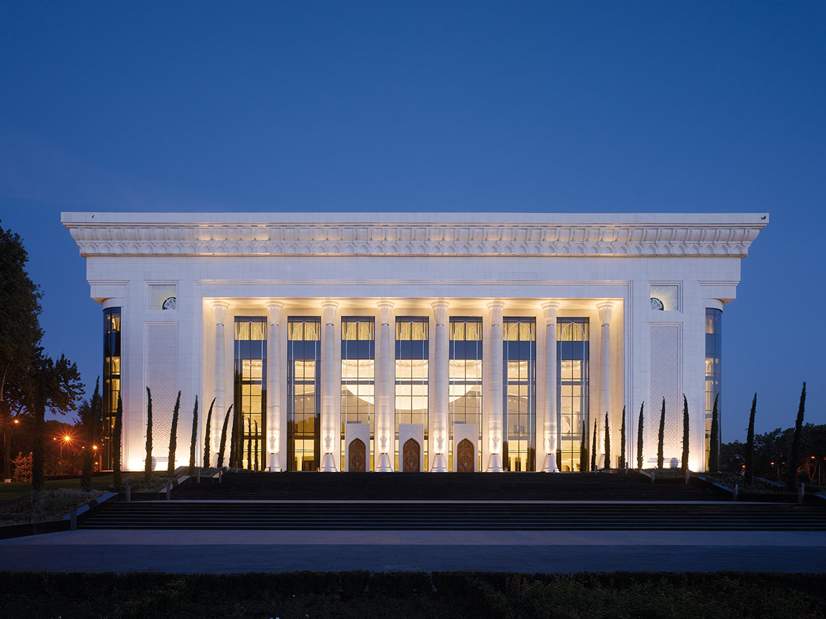 Palace of International Forums »Uzbekistan«, Tashkent. A project by Ippolito Fleitz Group – Identity Architects.