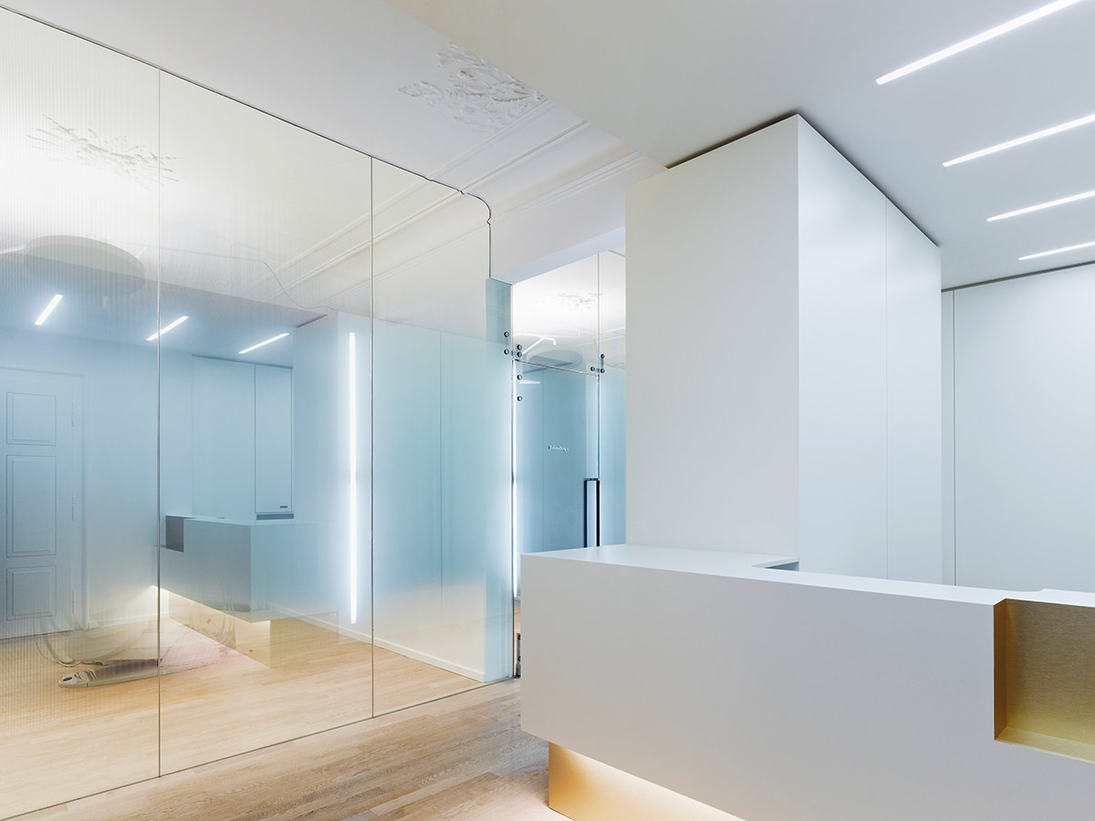 »weissraum Dental surgery« — Ippolito Fleitz Group